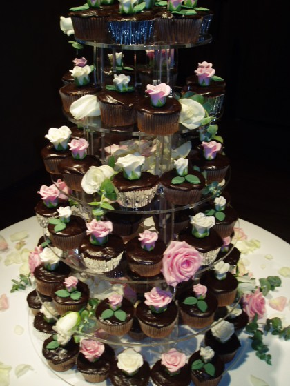 A tower of chocolate cupcakes? Yes please!